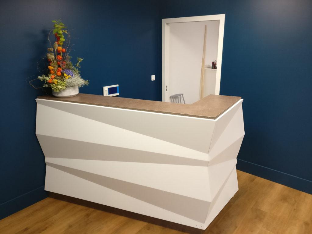 Banque accueil sur mesure métal bois origami design pliage moderne originale fabricant français